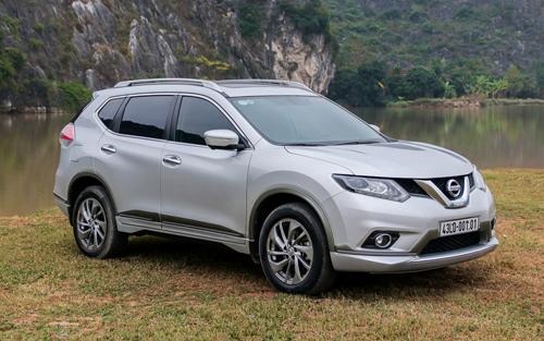 Tháng 4: Nissan X-Trail bất ngờ tăng giá, Teana giảm cả trăm triệu đồng.