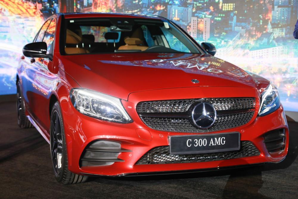 Mercedes C-Class 2019 chính thức ra mắt khách Việt, giá khởi điểm từ 1,5 tỷ đồng3aa
