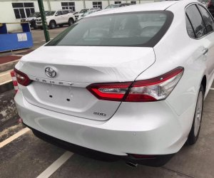 Toyota Camry 2019 ra mắt tại sự kiện dành riêng cho đại lýưaaa