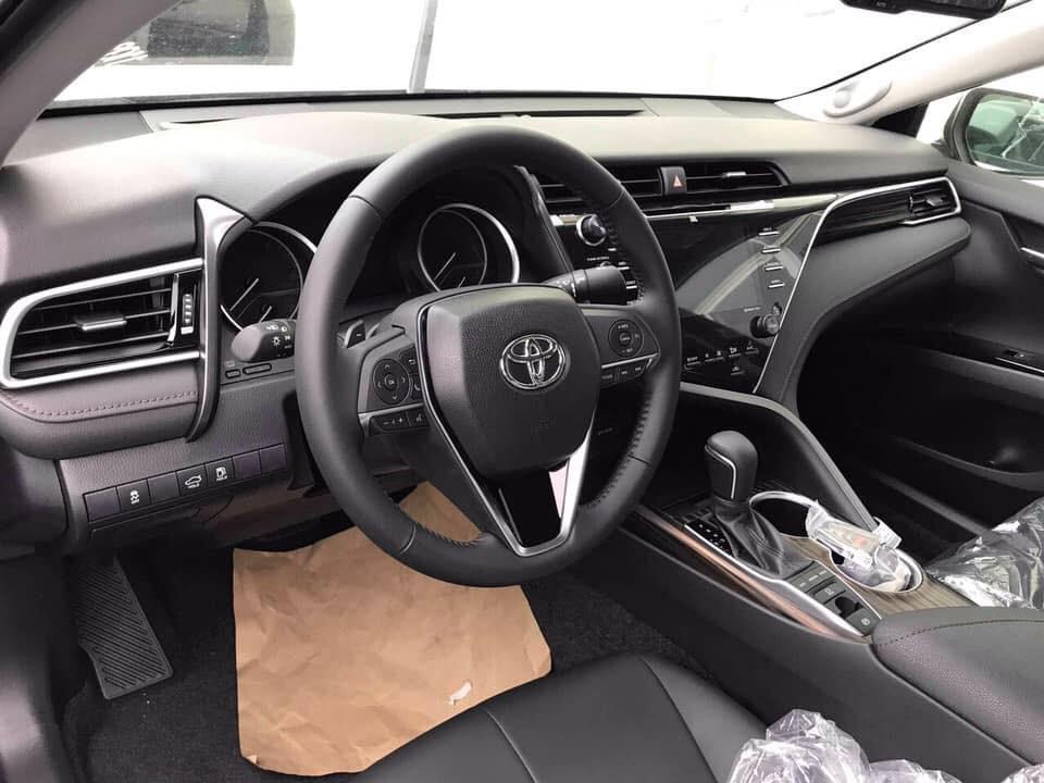 Toyota Camry 2019 ra mắt tại sự kiện dành riêng cho đại lý2aa