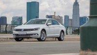 Giá xe Volkswagen Passat tháng 12/2019 giảm đến 140 triệu đồng
