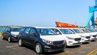 Lô xe Kia Sedona đầu tiên xuất khẩu sang Thái Lan