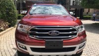Cận cảnh Ford Everest 2018 giá 850 triệu đồng tại đại lý, chờ ngày mở bán