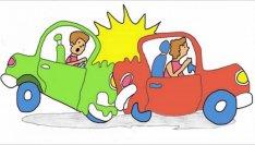 Sau khi xảy ra tai nạn ô tô cần làm gì?